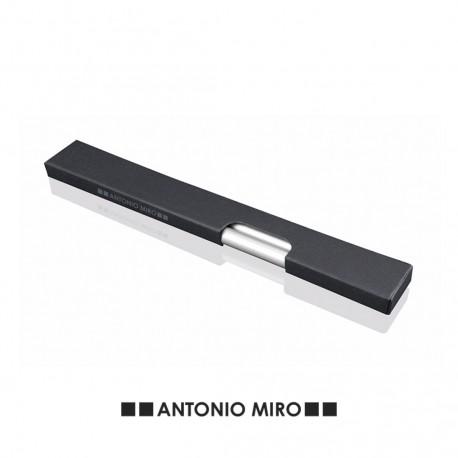3 lápices de madera de Antonio Miró